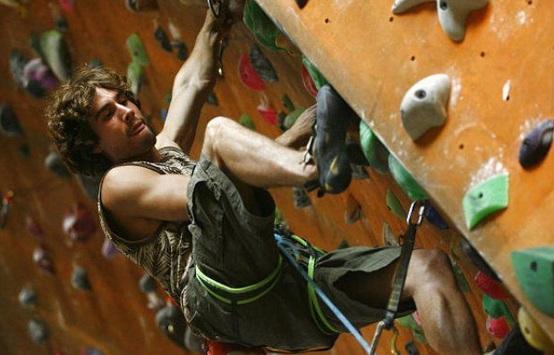 guy_climbing.jpg